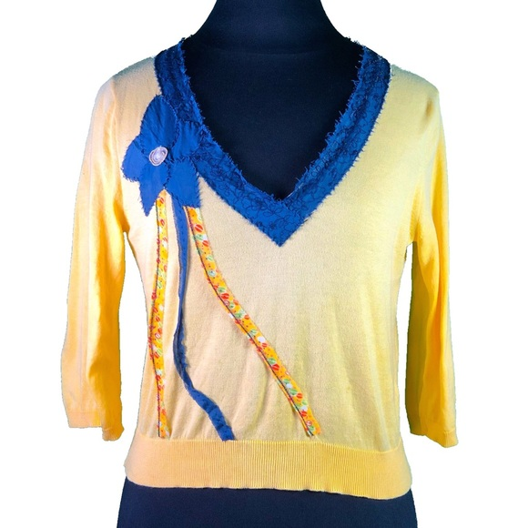 Anthropologie Sweaters - Anthro Field Flower Yellow V-Neck Appliqué Sweater